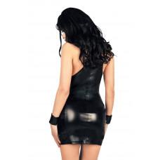 Черное платье с открытой грудью, экокожа